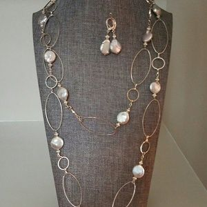 Long loop necklace with earring